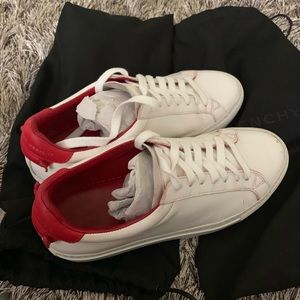 Givenchy street sneaker in white